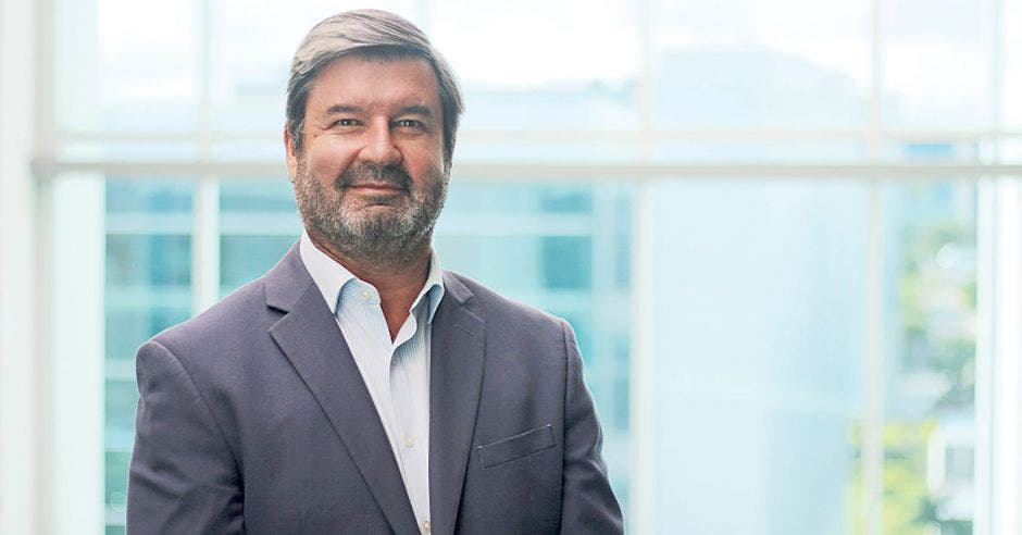 Hernán Pacheco, EY Law