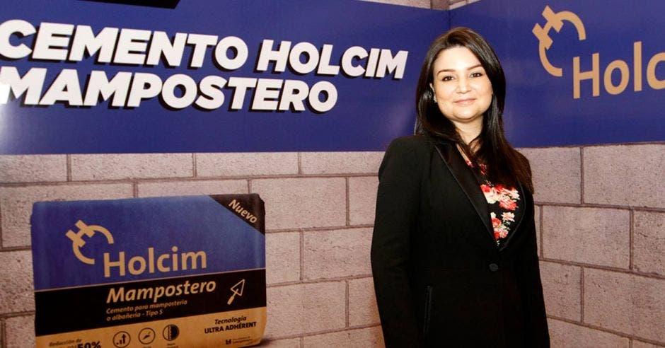 Beatriz Murillo, en la presentación del cemento Holcim Mampostero