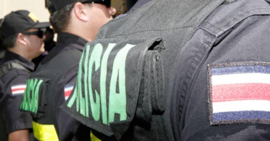 Espalda de policía