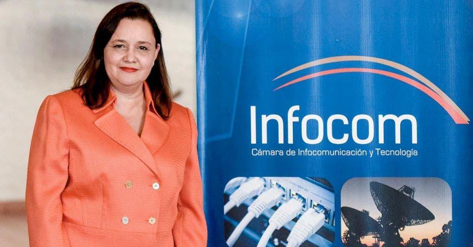 Vanessa Castro, Presidenta de Infocom