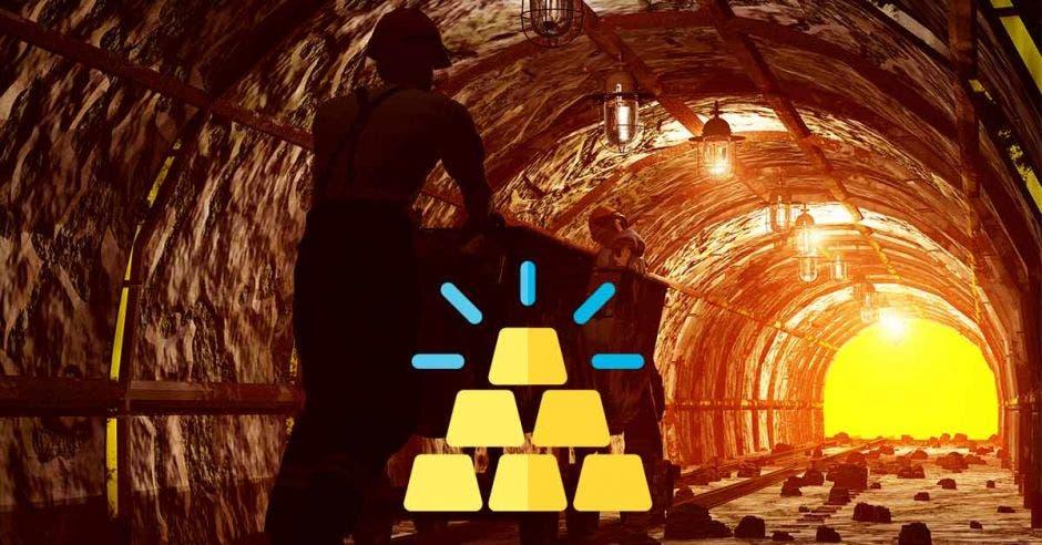un minero llevando lingotes de oro