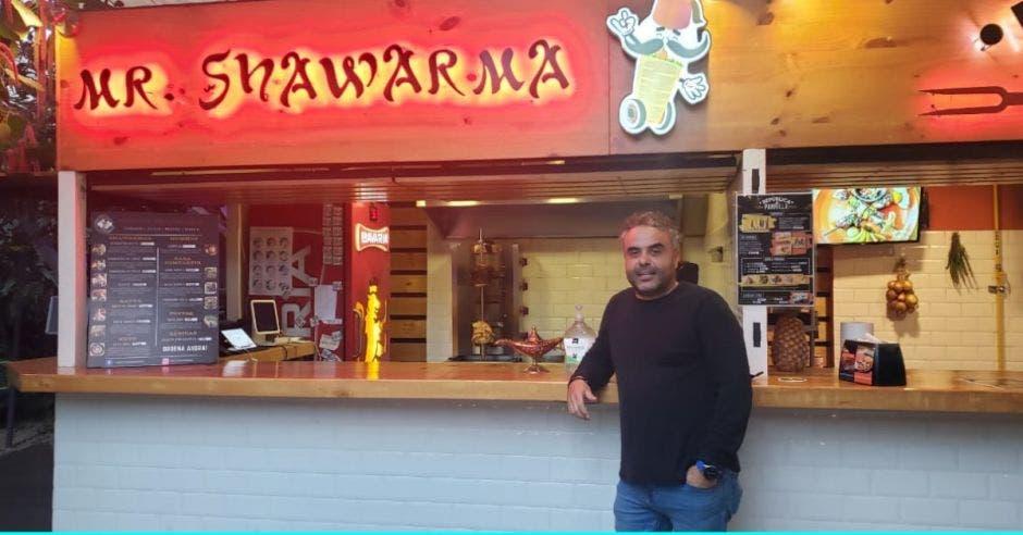 Robert El Khoury, propietario del restaurante Mr Shawarma