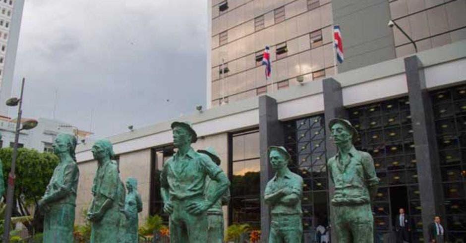 Estatuas del Banco Central