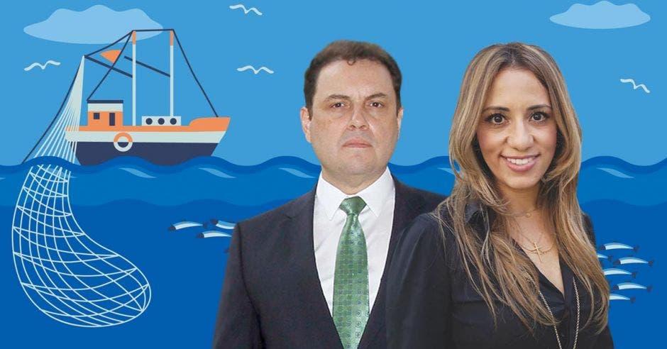 Mujer y hombre con fondo de mar