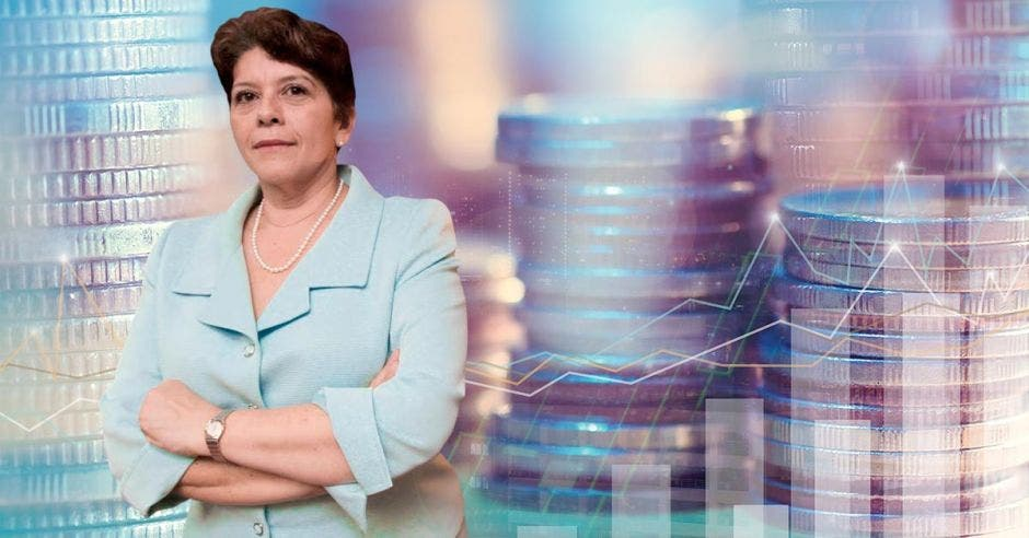 Marta Acosta, contralora general, advirtió sobre la baja en la recaudación y la vulnerabilidad estatal.