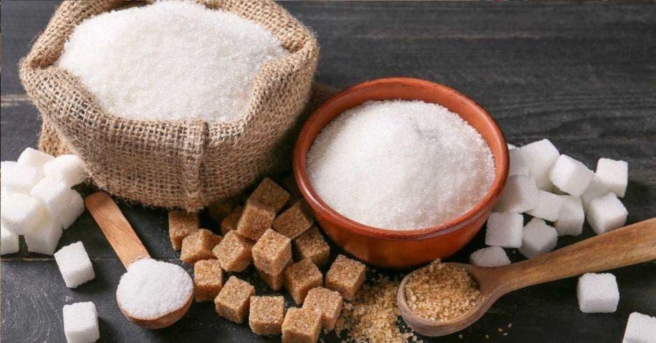 Azúcar en tazones