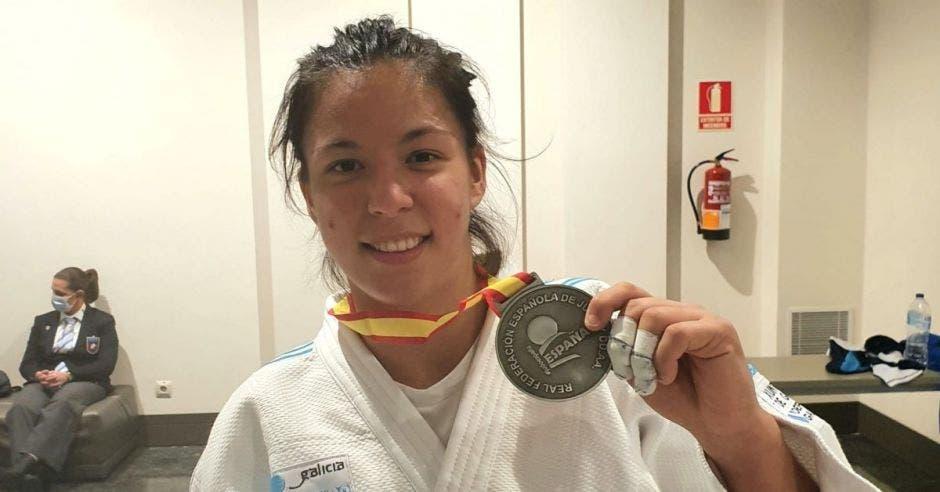 judoca con medalla