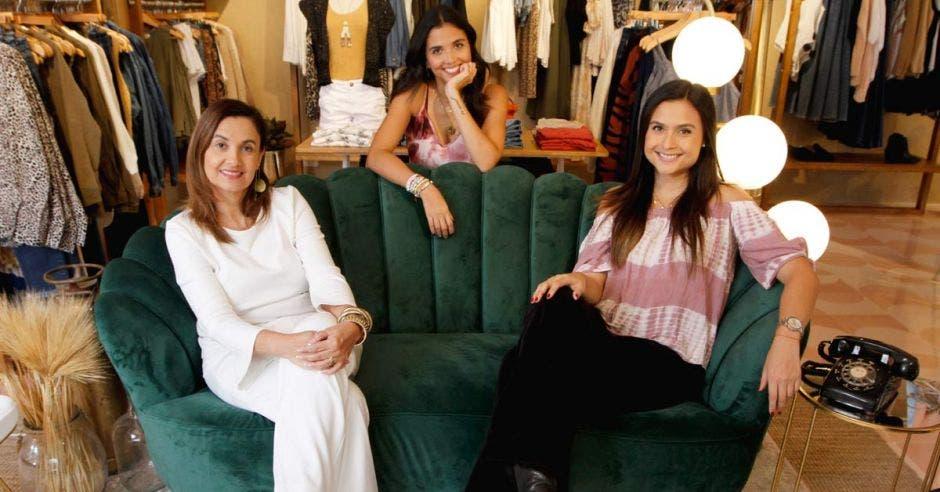 Gabriela Arroyo, Daniela Quirós y Melissa Quirós