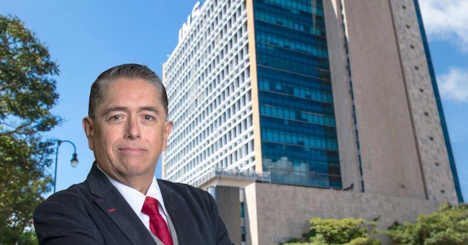 Luis Fernando Campos, gerente general del INS.