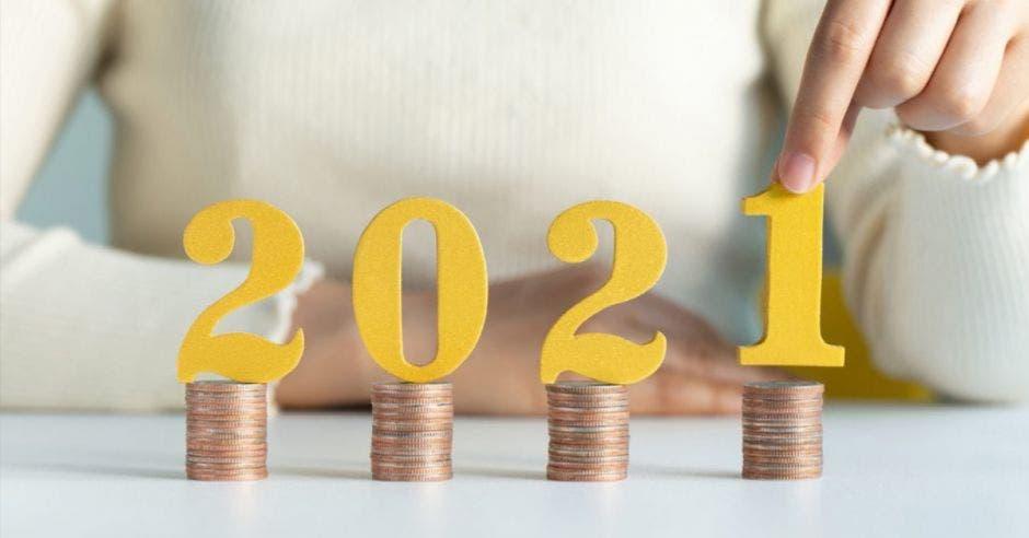 2021 sobre torres de monedas
