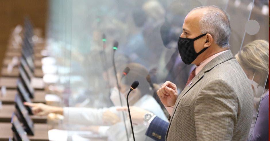 Luis Fernando Chacón, diputado. Cortesía tomada de Facebook/La República
