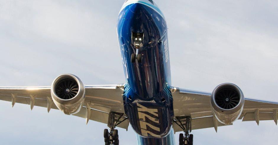 Un Boeing 777X llega al aeropuerto internacional del condado de King