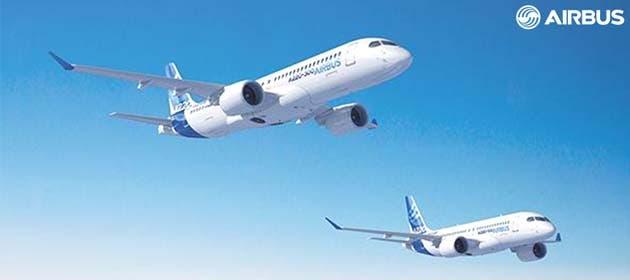 dos aviones blancos surcan el cielo