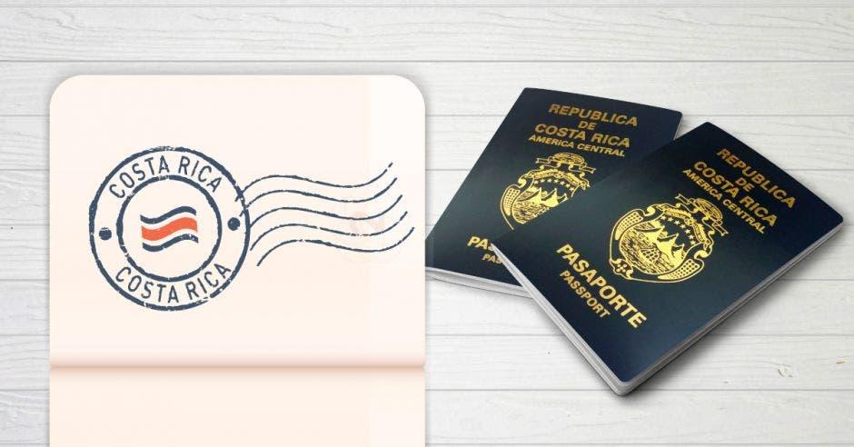 dos pasaportes en una mesa