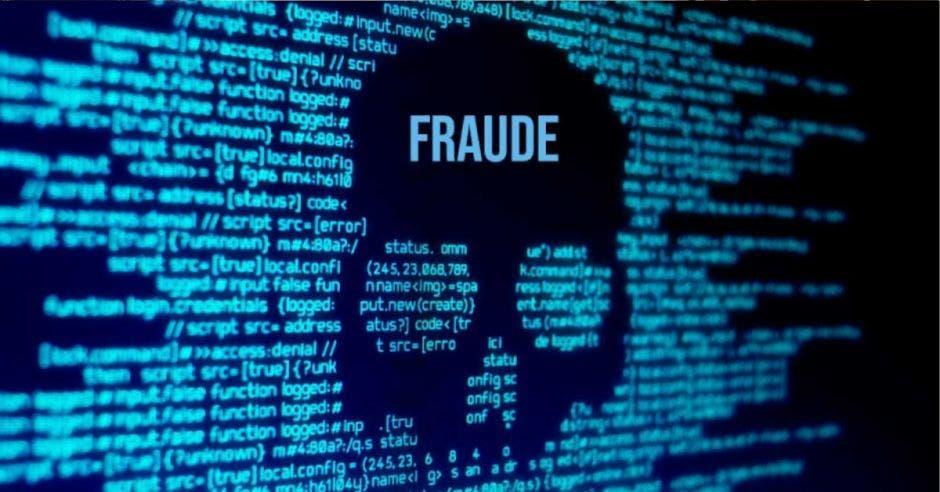 pantalla negra con letras azules, en medio una calavera con la palabra FRAUDE