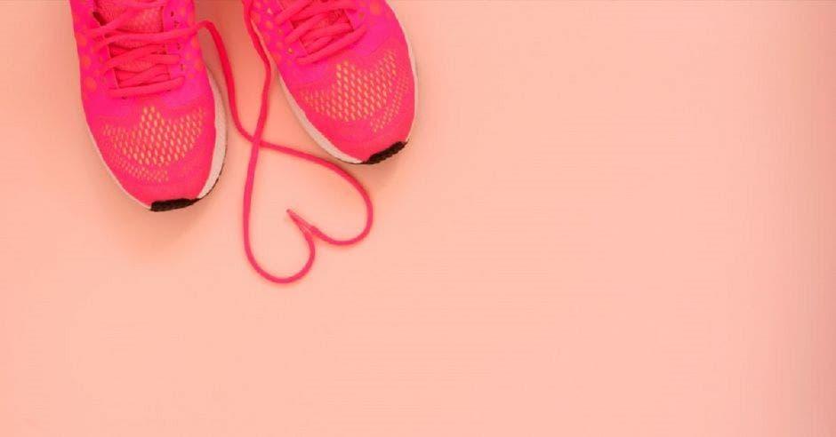 Unas tenis rosadas
