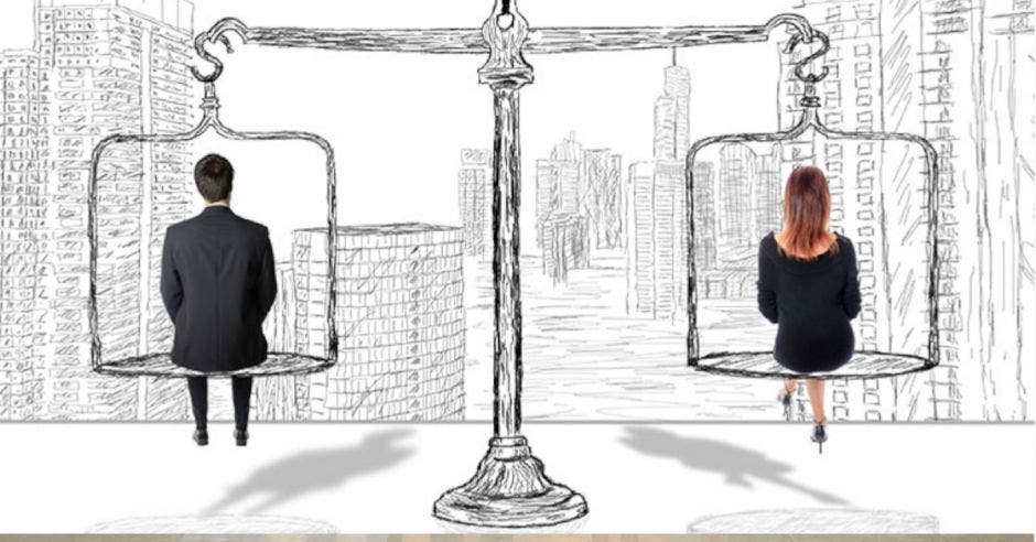 hombre y mujer sentados sobre balanza en equilibrio