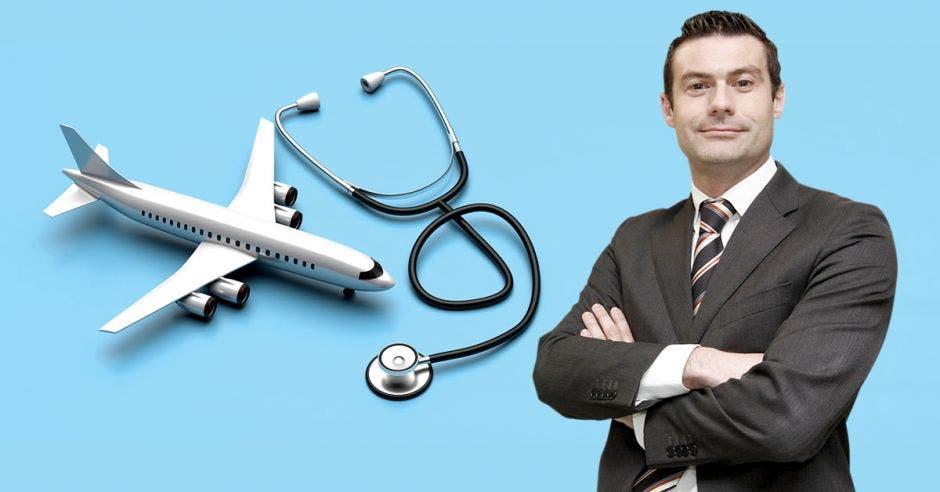 un hombre de saco y corbata sobre un fondo celeste decorado con un avión y un estetoscopio
