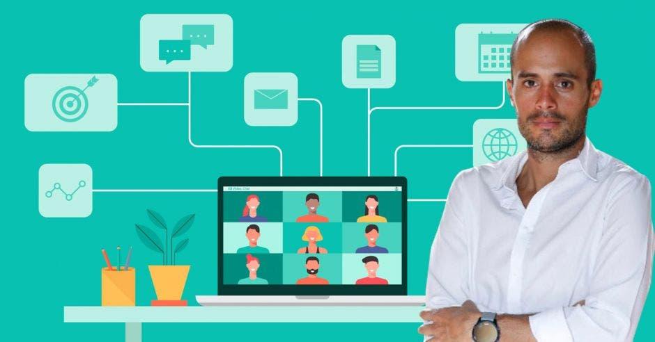 hombre con camisa blanca cruzado de brazos, de fondo un dibujo de laptop com personas conectadas en videollamada