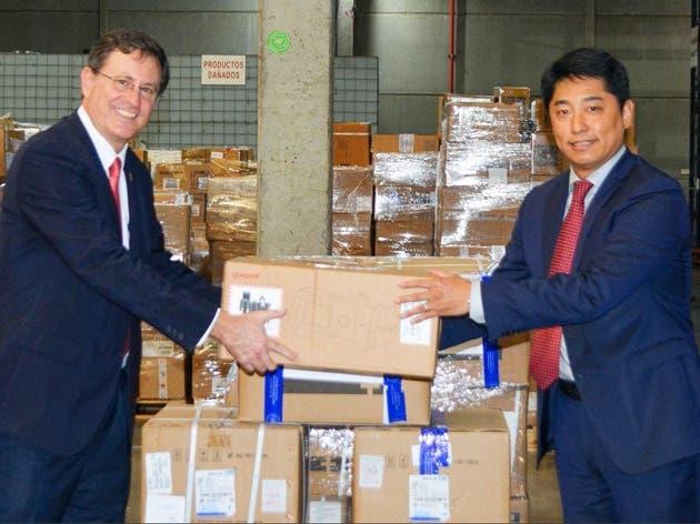 Román Macaya presidente ejecutivo de la CCSS y el embajador Tang Heng