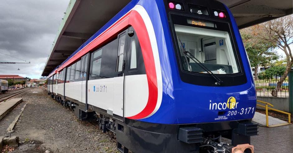 Tren chino CRRC del Incofer