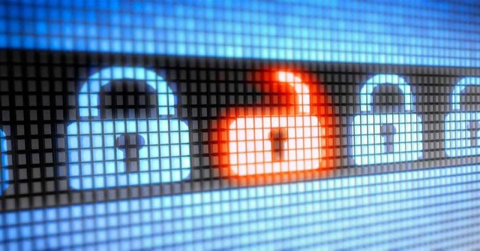 pantalla con candados azules y uno rojo