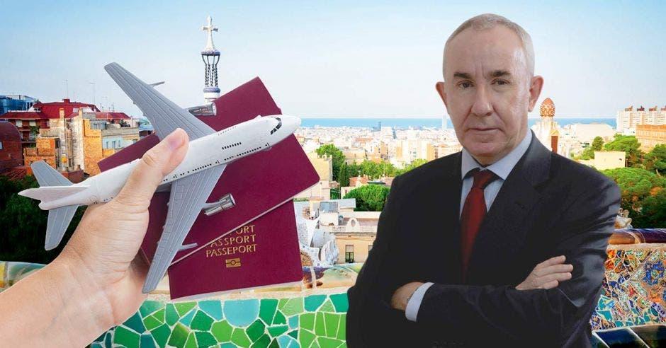 un hombre de saco y corbata sobre un fondo de ciudad y una mano que sostiene dos pasaportes y un avión de juguete