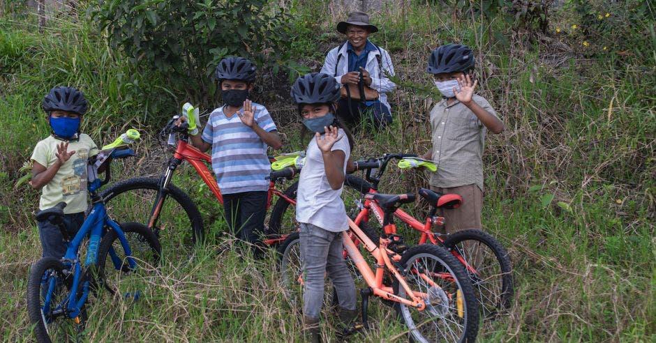niños bicis