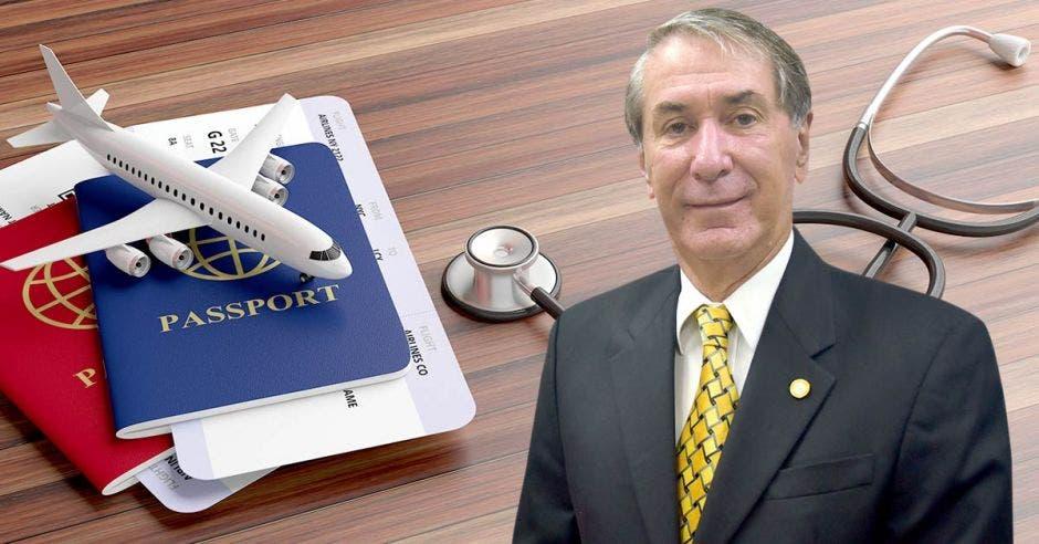 Mauricio Guardia y un dibujo de pasaportes y un estetoscopios