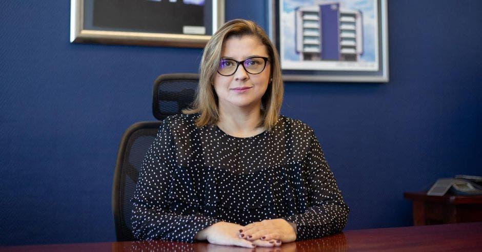 Catalina Vargas, gerente de Operaciones y Logística del ICE. .