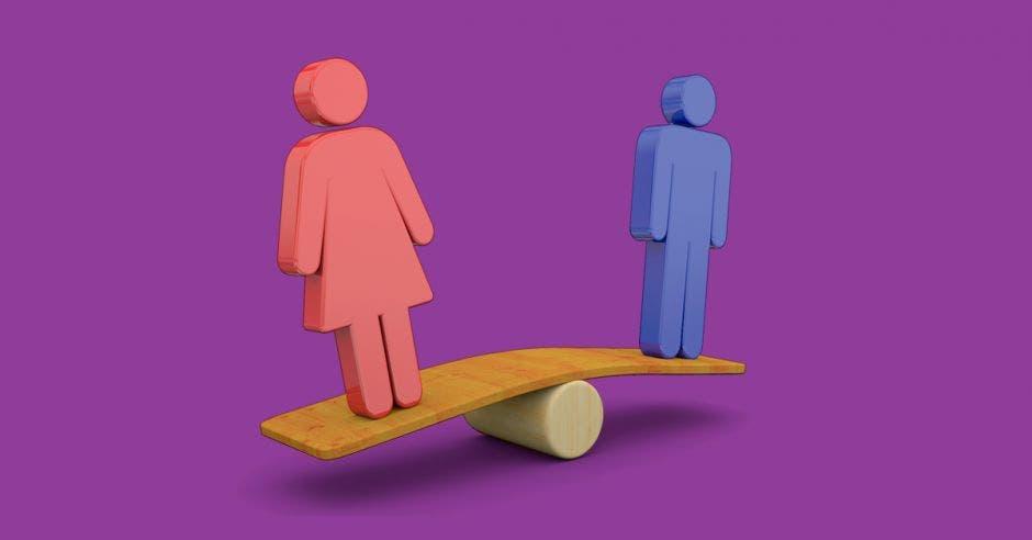 Una balanza con una mujer y un hombre en azul