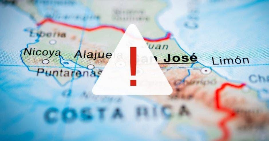 Un mapa de Costa Rica con un signo de alerta