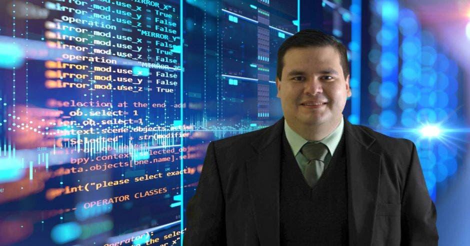 Isaac Vargas, director a.i. de la Unidad de Productos y Servicios de kölbi.