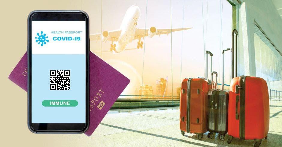 un pasaporte y celular con código QR junto a un conjunto de maletas de viaje