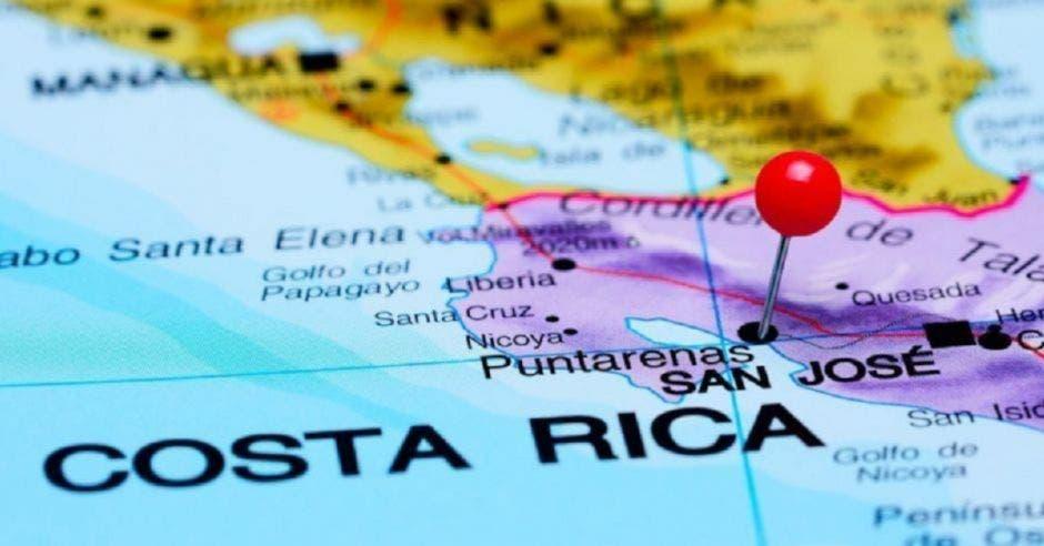 mapa con pin rojo en Costa Rica