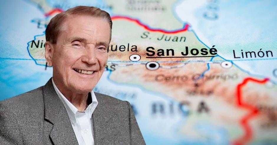 Carlos Denton, presidente de CID Gallup.