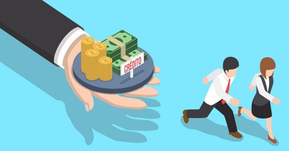 Personas huyen de mano con dinero
