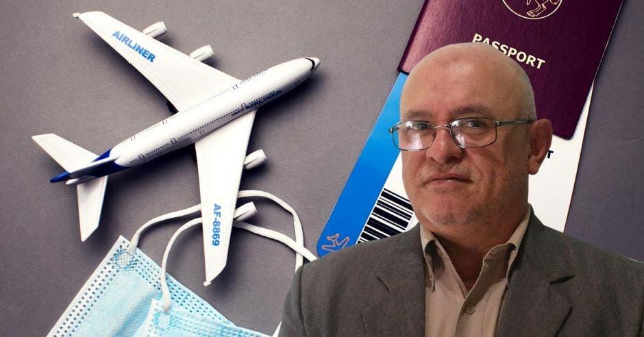 un hombre calvo de anteojos sobre un fondo de concepto de viajes