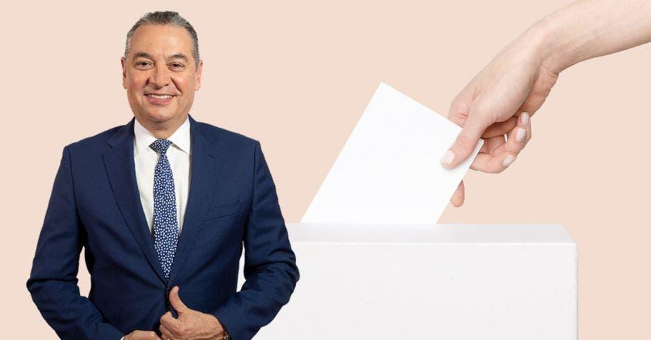 Hombre de traje frente a arte de persona dando voto