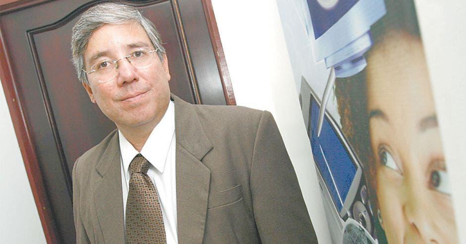 Adolfo Arias, director de la División Servicios de Telecomunicaciones del ICE
