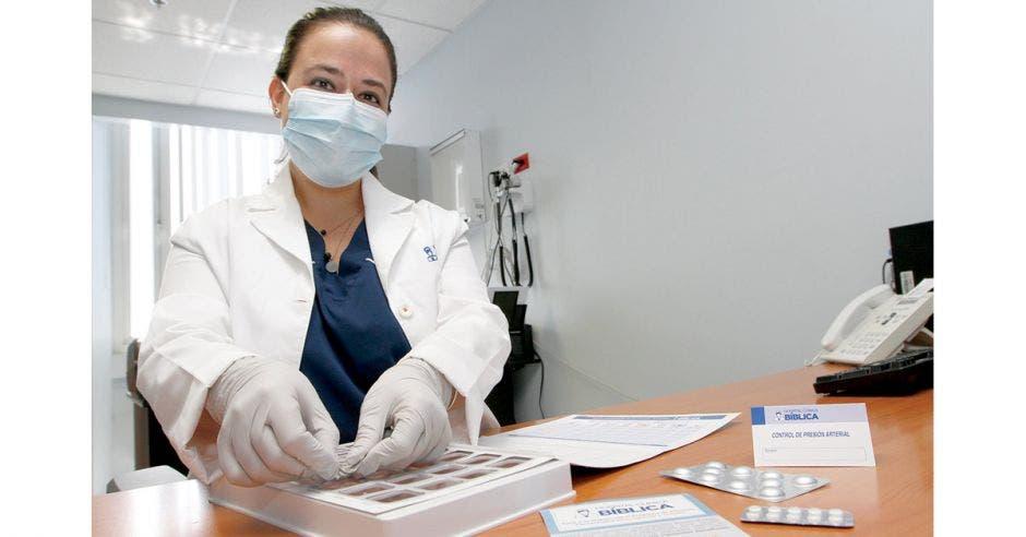 Natalia Sancho encargada del Programa de Atención Farmacéutica del Hospital Clínica Bíblica.