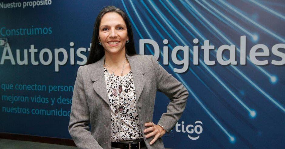 Vanessa Abuhazi, Micro and Small Manager de Tigo Costa Rica.