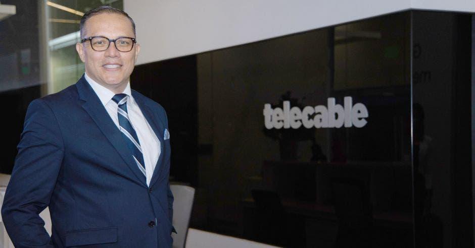 Oscar Chacón, Gerente Comercial de la Unidad de Negocios Empresariales de Telecable
