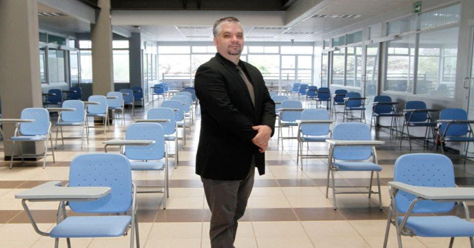 Edgar Hernández, director de la carrera de Farmacia de UIA.