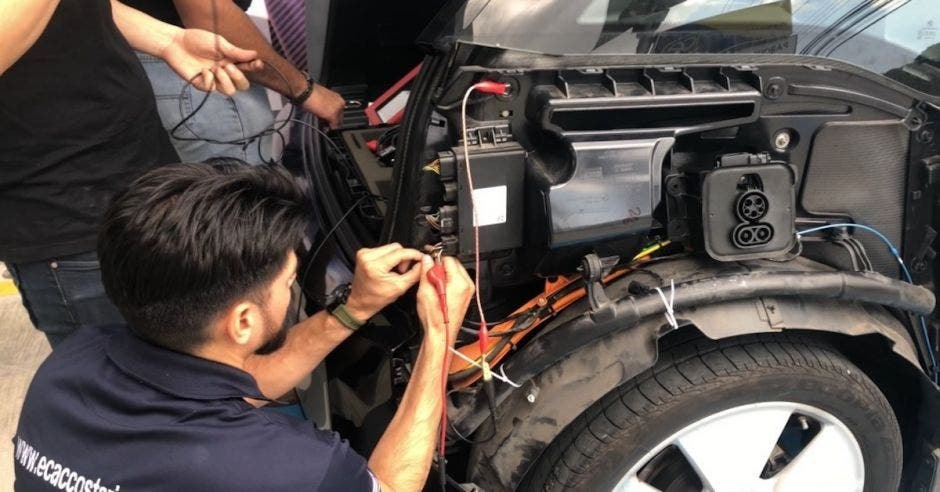 autos eléctricos reparacion