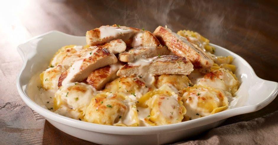 Plato de pollo con pasta