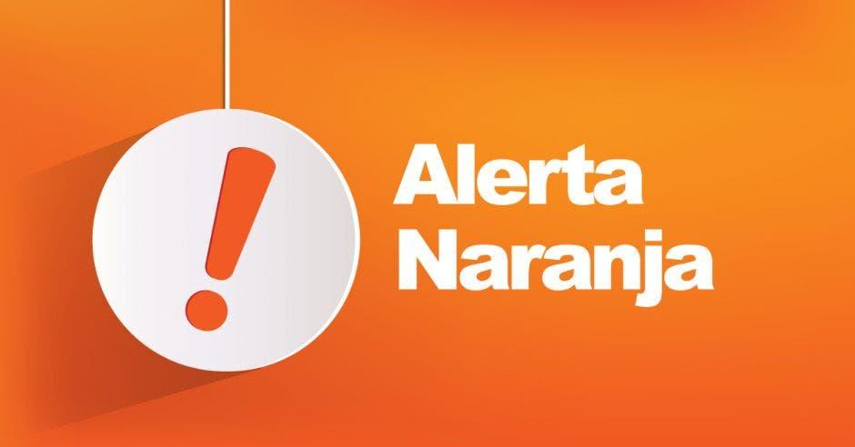 Un cartel con un signo de exclamación y que dice alerta naranja