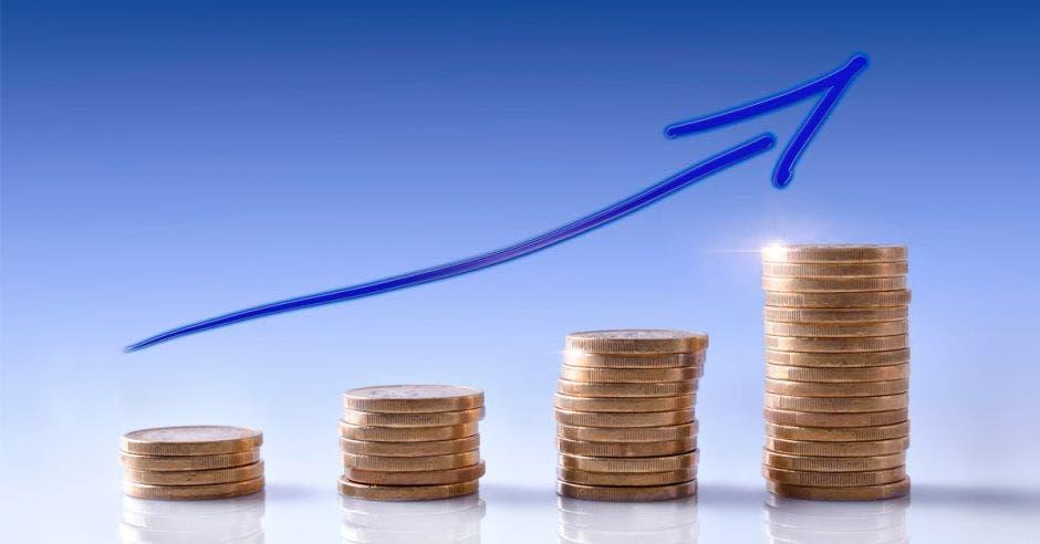 Columnas de monedas en ascenso