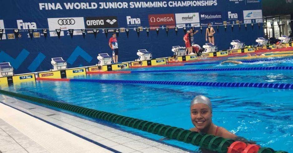mujer nadadora