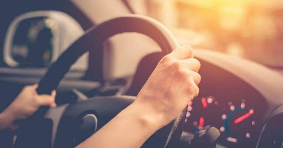 Conducir vehículo por las tardes y noches